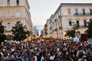 Taranto folla per demA